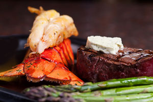 steak-lobster-asparagus